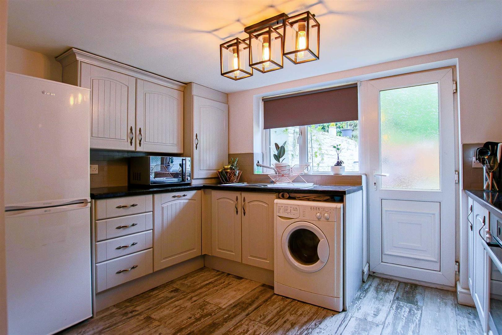 2 Bedroom Terraced Cottage For Sale - Image 27